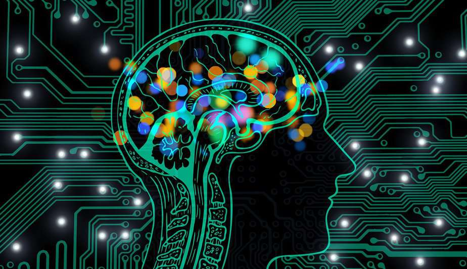ニューラルネットワークとは何か?機械学習の仕組みと代表的な種類の解説