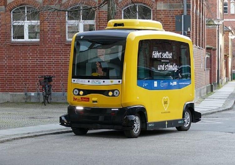 YOLOを応用した自動運転技術